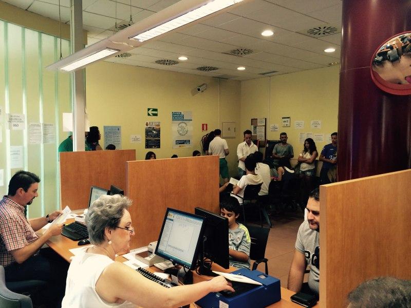 El nuevo dni 3 0 ya se expide en la oficina de la polic a for Oficina policia nacional