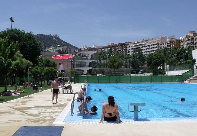 Las piscinas municipales han superado este verano los 70 for Piscina jaen