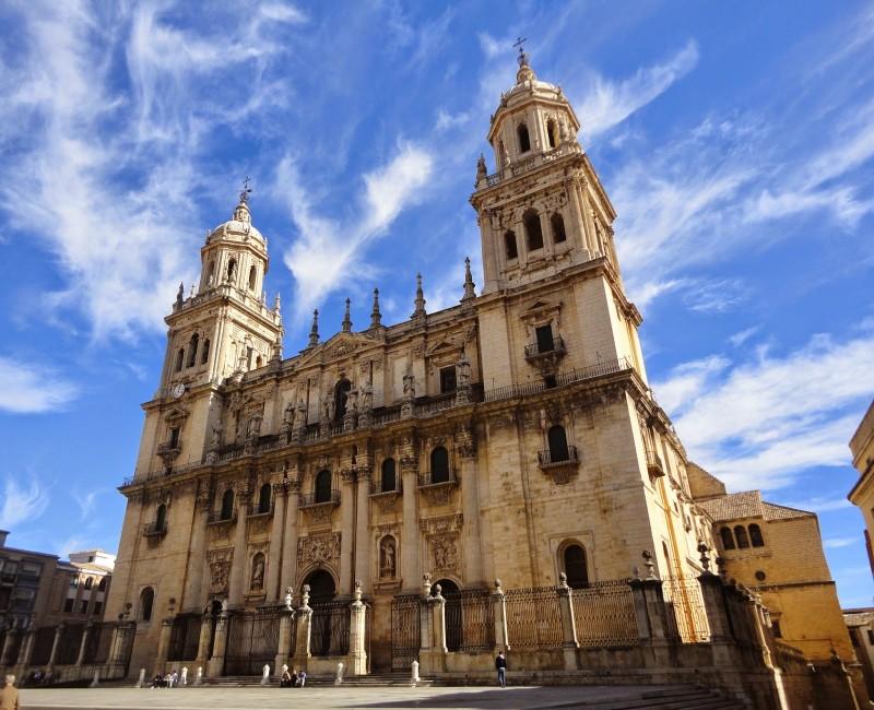 Visión desde el exterior de la Catedral de Jaén.