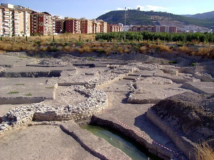 Restos arqueológicos de Marroquíes Bajos.