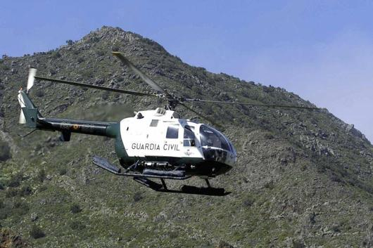 Helicóptero de la Guardia Civil en labores de búsqueda.