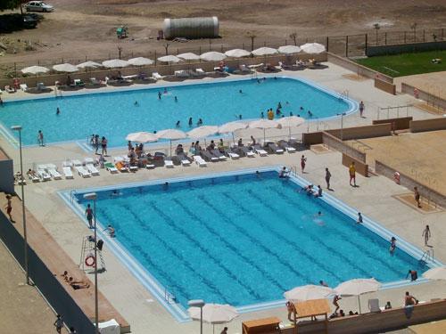 Beda mantendr las piscinas municipales hasta el d a 9 for Piscina jaen