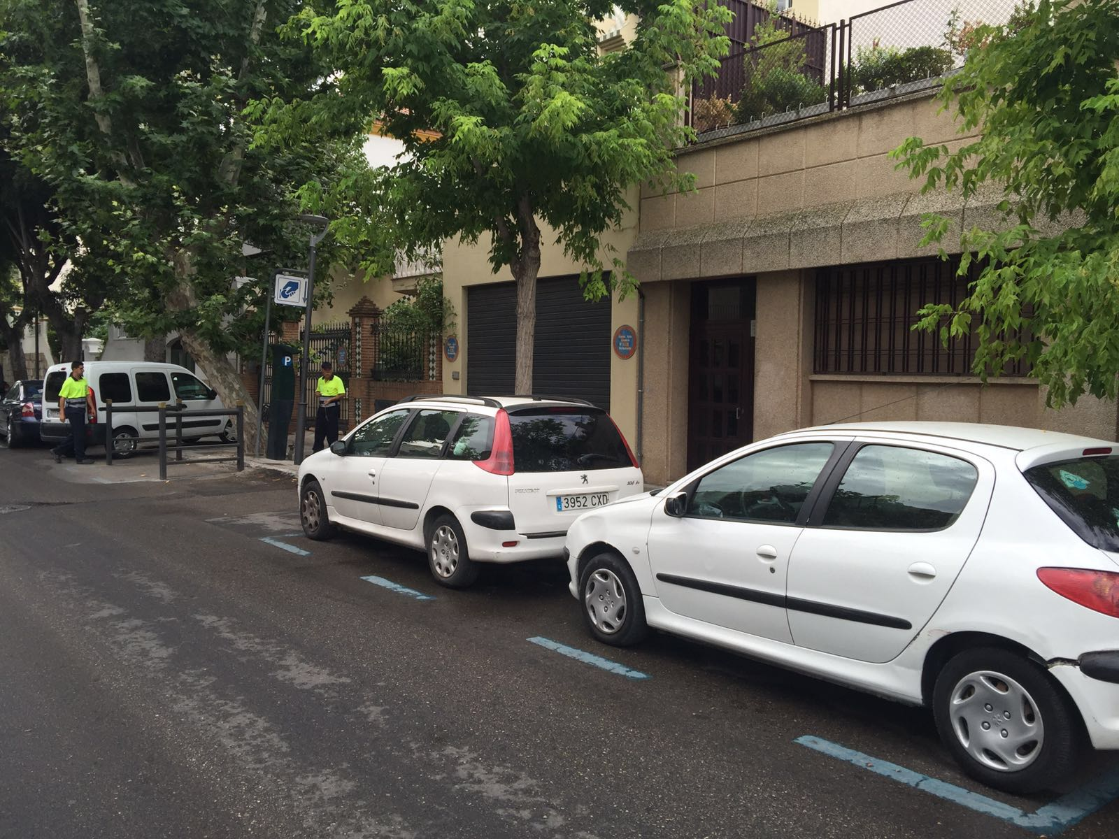 Zona azul en la calle Arquitecto Berges de Jaén. FOTO: HoraJaén