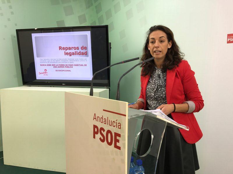 La concejal del PSOE; Mercedes Gámez, en rueda de prensa.