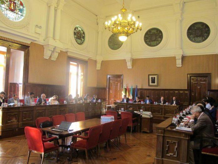 Celebración del pleno ordinario de Diputación