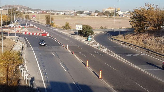 Mañana comienzan las obras para construir la otra media rotonda de acceso al Jaén Plaza.