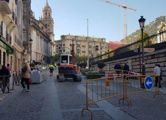 Obras en calle Bernabé Soriano. FOTO: HoraJaén
