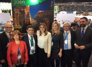 La presidenta de la Junta de Andalucía con el consejero de Turismo, el presidente de Diputación y las alcaldesas de Úbeda y Baeza.