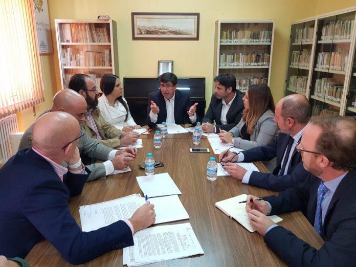 Reunión de Juan Marin, Raquel Morales y concejales de Ciudadanos con representantes de la plataforma