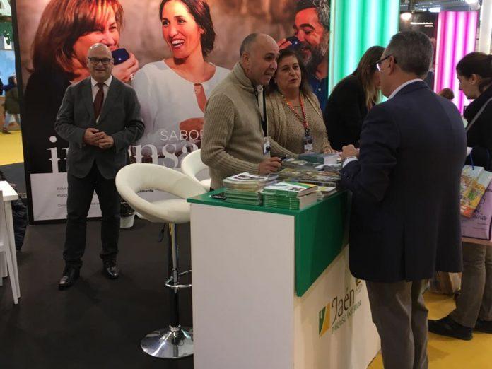 Manuel Fernández visita Intur de Valladolid