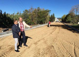 El alcalde de Andújar visita las obras para conectar los tres polígonos industriales.
