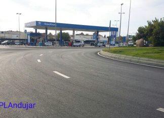 Rotonda donde el conductor realizaba derrapes en Andújar.