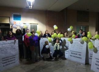 Vecinos de las Fuentezuelas se concentran por su centro social