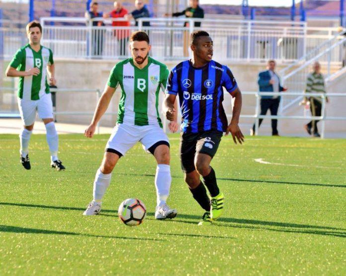 Imagen del partido que disputaron Ibros y el Inter de Jaén.