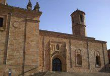 Obras en la iglesia de Santa Maria la Mayor en Linares.