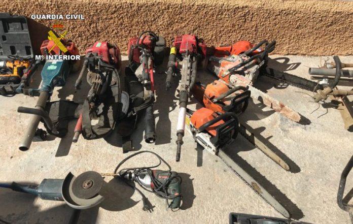 Maquinaria recuperada en Pozo Alcón por parte de la Guardia Civil.