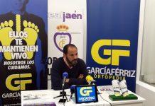 El entrenador del Real Jaén durante la rueda de prensa de hoy en Ortopedia Daría Férriz.