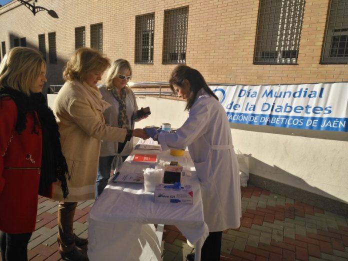 La delegada de Salud participa en la celebración del Día Mundial de la Diabetes.