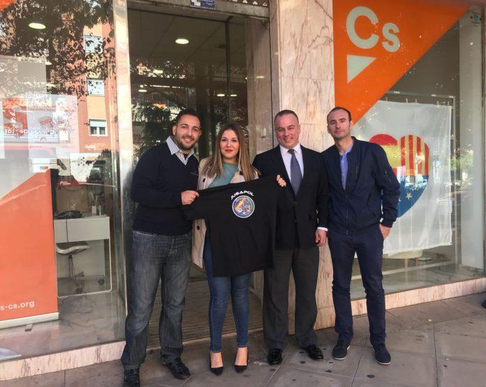 Raquel Morales se reúne con miembros de la asociación para la equiparación salarial de Policía y Guardia Civil.