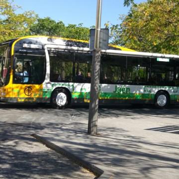 Autobús híbrido puesto en circulación el pasado mes de septiembre. FOTO: HoraJaén