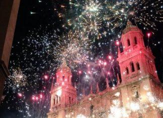 Espectáculo piromusical de Navidad celebrado en la plaza de Santa María