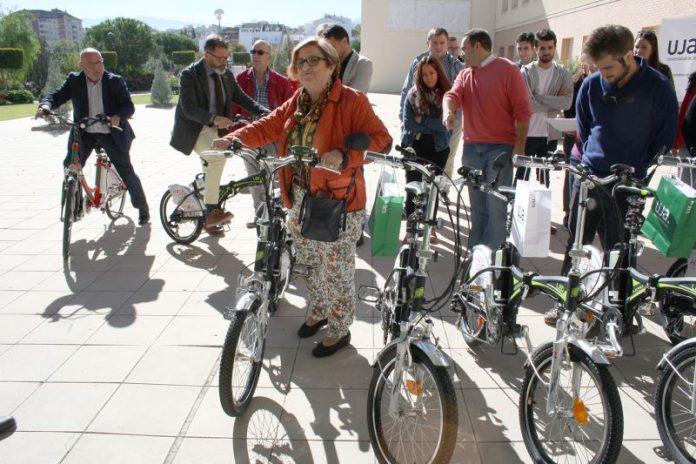 Entrega de 17 bicicletas eléctricas en el marco del proyecto