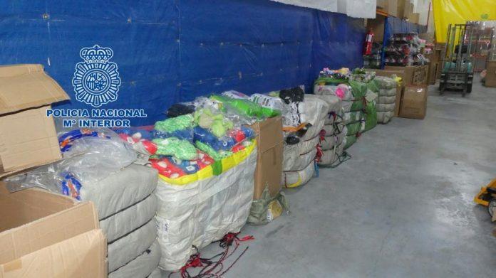 Juguetes falsificados incautados por la Policía Nacional.