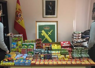 Petardos incautados por la Guardia Civil.