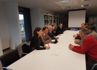 Reunión del delegado para informar sobre las subvenciones a los grupos de desarrollo.