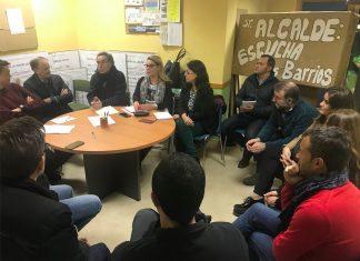 Reunión de concejales del PSOE con vecinos del barrio.