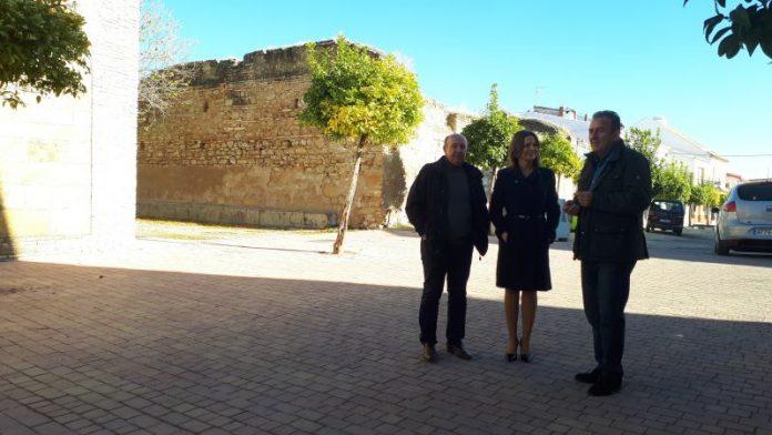 La delegada del Gobierno de la Junta de Andalucía en su visita a Lahiguera