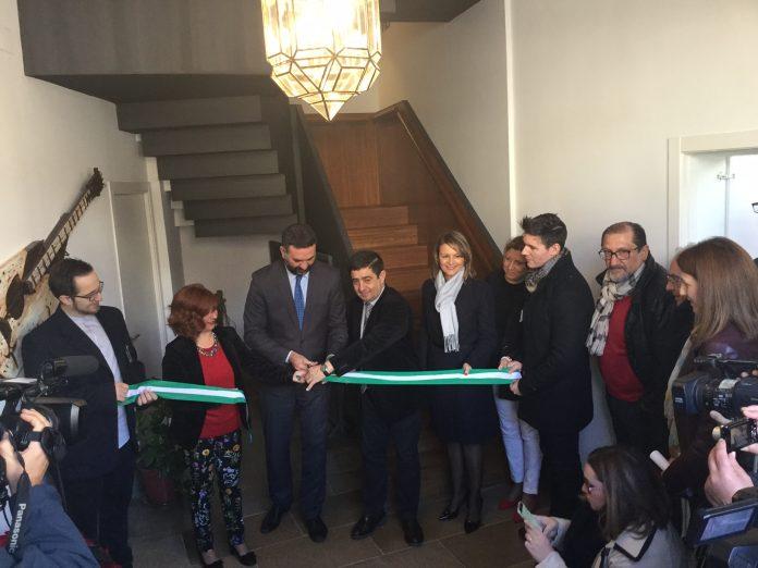 El consejero de Turismo inaugura las nuevas instalaciones turísticas de Úbeda.