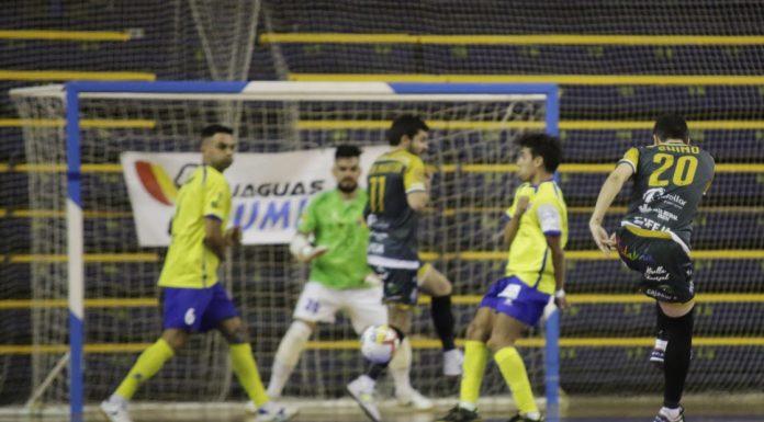 Jugada en el partido entre el Gran Canarias y el Jaén Paraíso Interior.