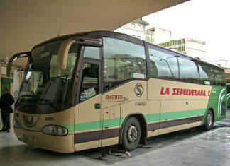 Autobús de La Sepulvedana en la estación de autobuses de Jaén.