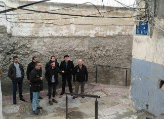 Visita de varios concejales al barrio de San Juan donde se han reunido con la asociación de vecinos Torre del Concejo.