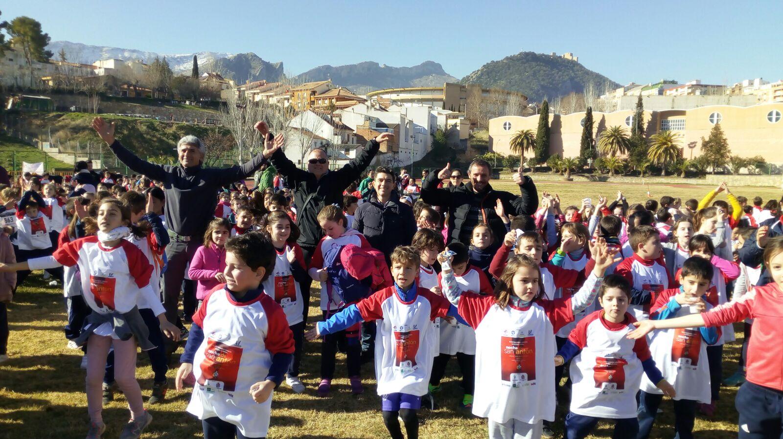Más de 500 niños participan en la carrera de San Antón - Hora Jaén