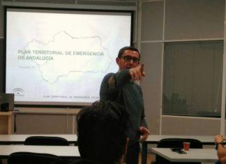 Manuel Garrido en un momento de la conferencia sobre emergencias.