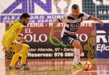 Lance del encuentro jugado anoche en Zaragoza. FOTO: Rubén Losada
