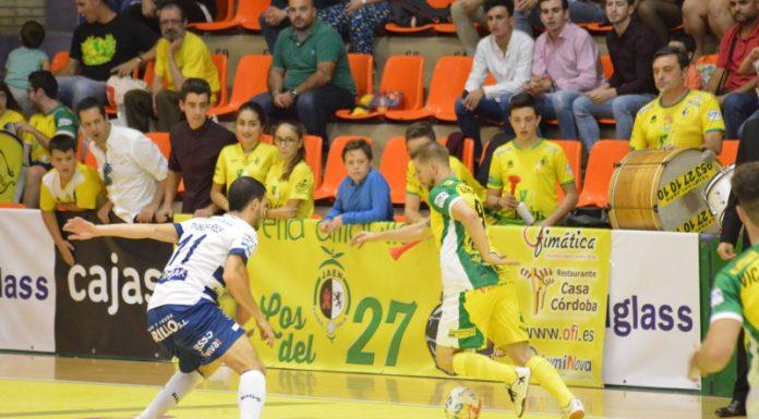 Jugada del partido entre el Jaén Paraíso Interior contra Ríos Renovables Zaragoza.