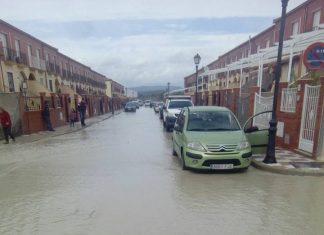 Estado de cómo han quedado las viviendas tras desbordarse arroyo Encantado. FOTO: OPINA BAILÉN