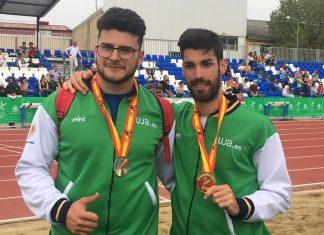Carlos Rojas y Alberto González con sus respectivas medallas.