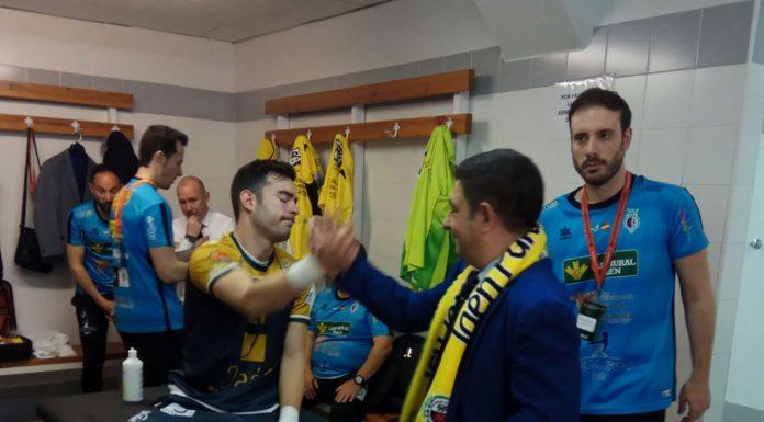 El presidente de Diputación animó a los jugadores a pesar de la derrota en la final.