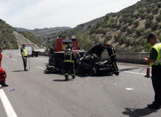 Imagen de un accidente en la A-44. FOTO: Bomberos de Jaén