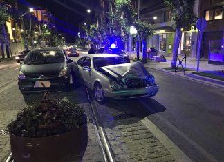 Uno de los vehículos afectados por la colisión.