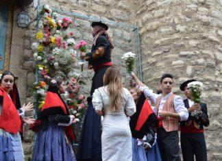 Ofrenda floral a la Virgen de la Capilla.