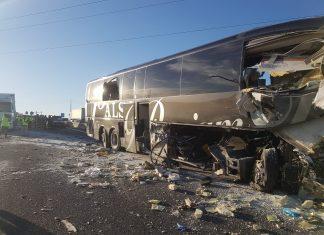 Imagen del estado del autobús tras el accidente de anoche. FOTO: HoraJaén
