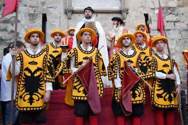 Fiestas del Renacimiento con el rey Carlos I de España y V de Alemania.
