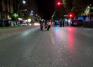 La Policía Local analiza el lugar del accidente. FOTO: HoraJaén.