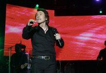 Raphael en el concierto de Andújar. FOTOS: Juan Manzanares