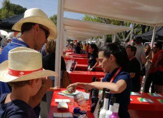 Promoción de los productos Jaén Selección en la Vuelta Ciclista durante 2017.